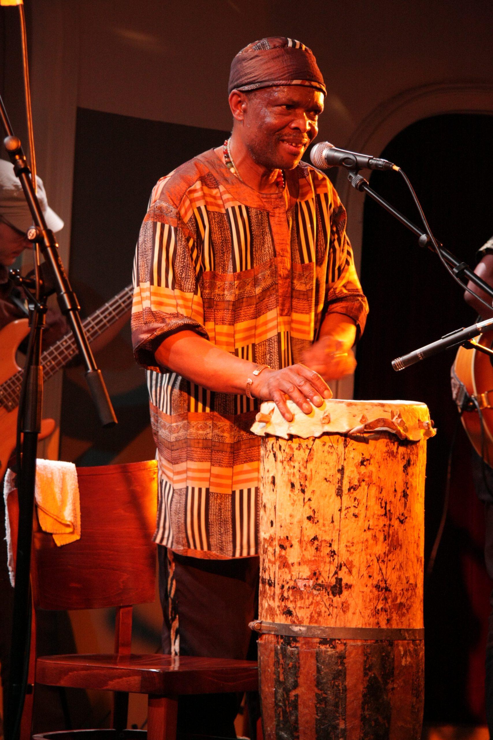 Dumisani auf der Bühne